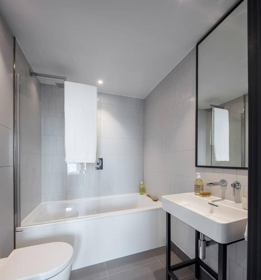 Bathroom - leon house