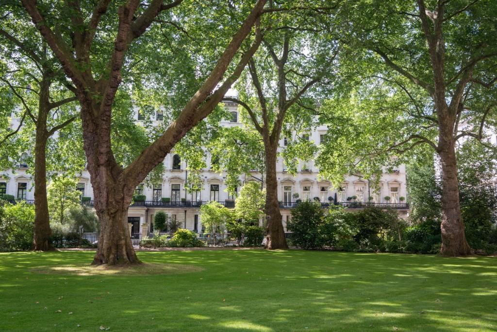 Ennismore gardens